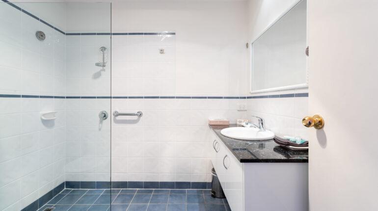 Superior King Bathroom